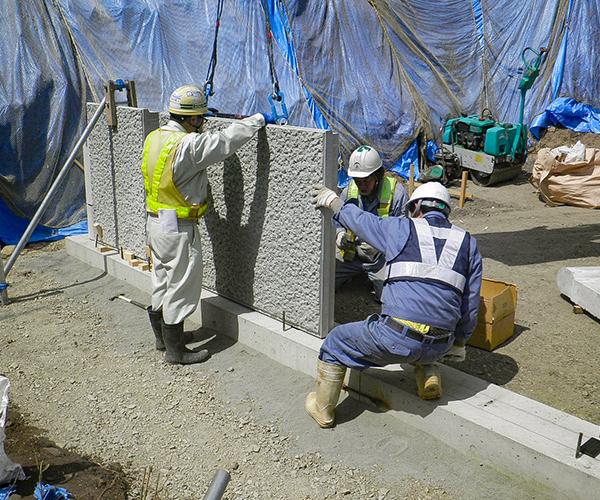 補強土壁工(テールアルメ):3.璧面材(パネル)建て込み