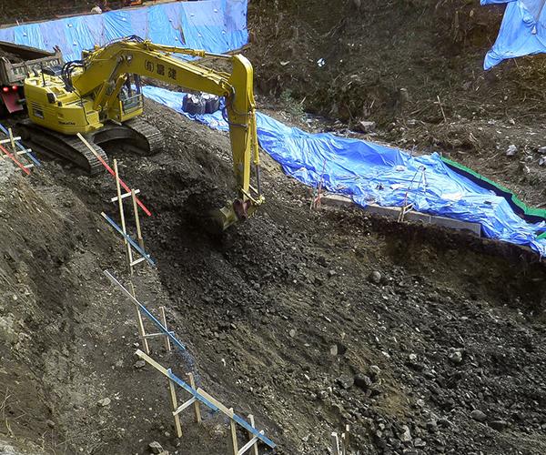 補強土壁工(テールアルメ):1.掘削工