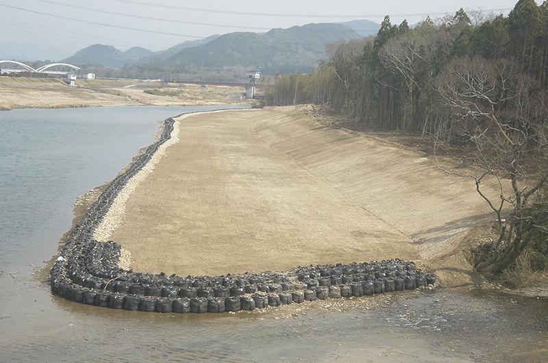 豊川上流河道掘削工事