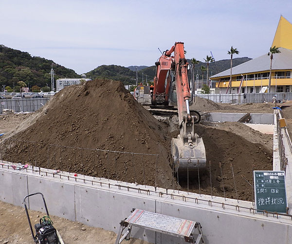 海陽ヨットハーバー整備工事 土間下 地盤改良工事1